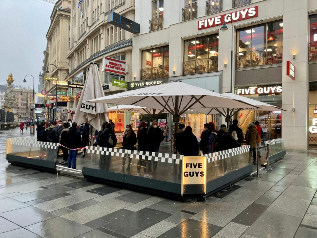 Grayling launches FIVE GUYS in Austria